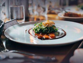 kleo_restaurant_third_section_background